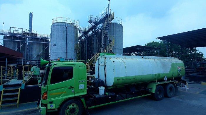 Suasana di lingkungan operasional PT Prasadha Pamunah Limbah Industri (PPLI), Cileungsi, Bogor, Jawa Barat, Rabu (5/5/2021).