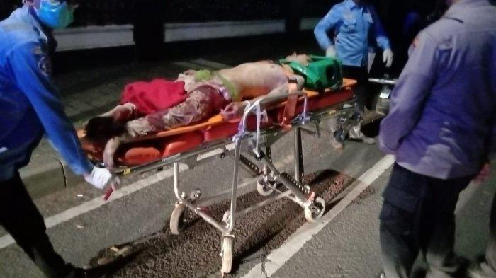 Pria Berbaju Merah Terkapar di Menteng Jakarta Pusat, Tulang Kakinya Patah