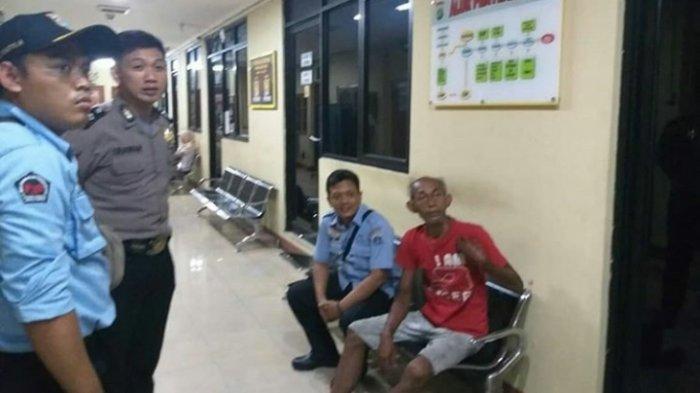 Sempat Masuk TikTok, ODGJ di Mampang Prapatan Diamankan Petugas Sosial: Disuguhkan Kopi dan Bubur