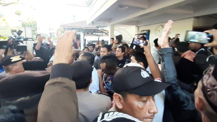 Polisi Sebut 17 Orang yang Dibawa Mobil Polisi dari Balai Kota Jakarta Bukan Provokator