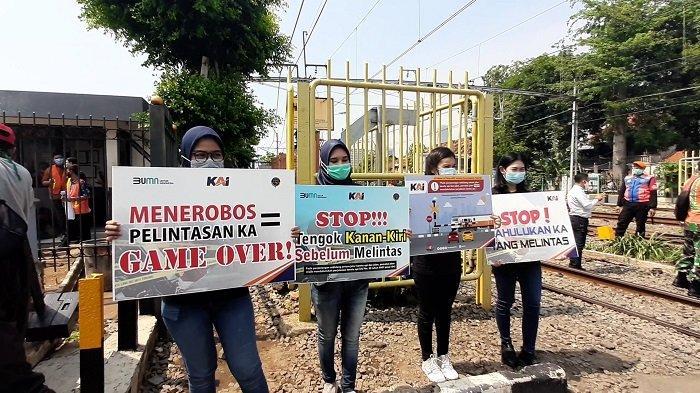 Cegah Kecelakaan, PT KAI Daop 1 Jakarta Sosialisasi Disiplin Berlalu Lintas