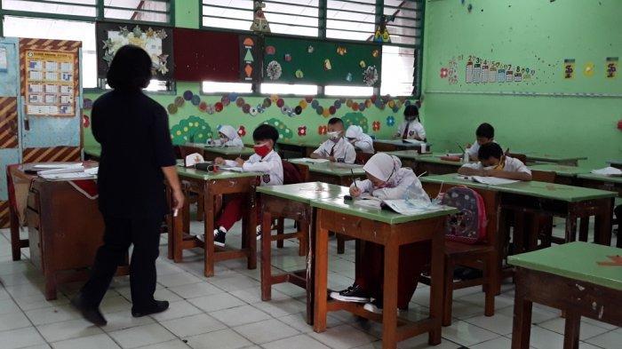 Mulai Hari Ini Sekolah Tatap Muka di DKI Ditunda, karena Klaster Baru Covid-19?