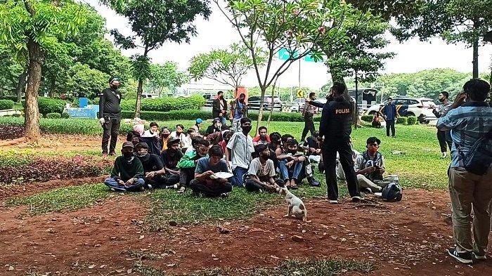 70 Orang Anak di Bawah Umur Diamankan di Lampu Merah Coca Cola, Diduga Hendak Ikut Demo