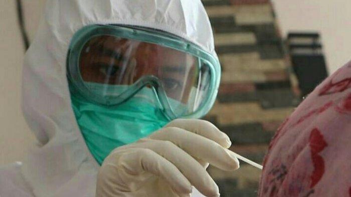 437 Orang Kontak Erat Gubernur Anies dan Wagub Riza Patria Ikuti Tes Usap PCR