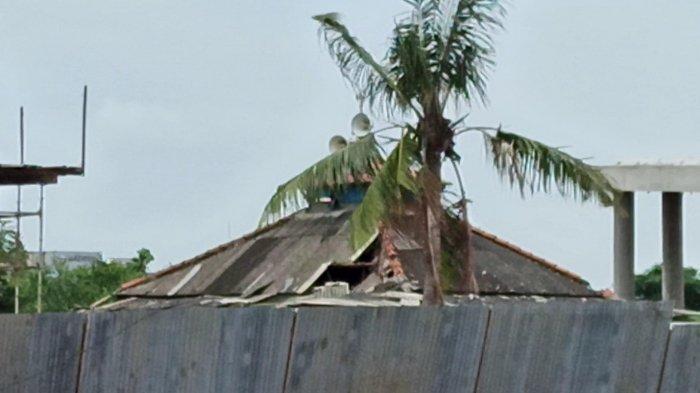 Angin Puting Beliung Terjang Permukiman Warga Kampung Sawah, Sedikitnya 40 Rumah Rusak