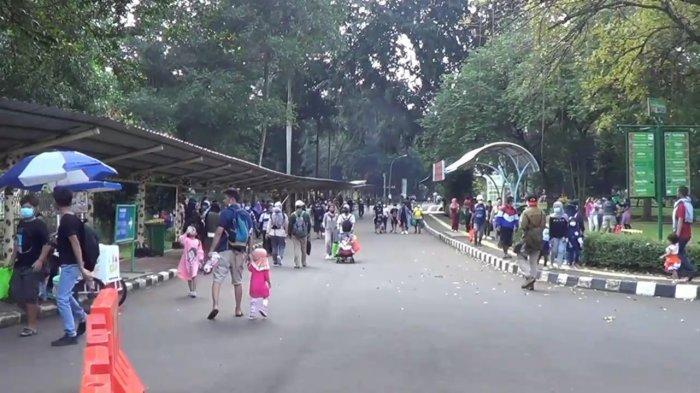 Hari Libur Waisak, Taman Margasatwa Ragunan Ramai Didatangi Pengunjung