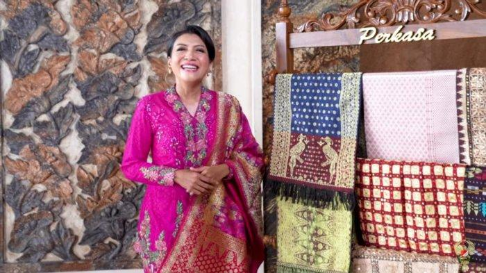 Cantiknya Istri Jenderal Andika Kenakan Tenun dan Songket: Cerminan dari Nilai Seni nan Indah Rupa