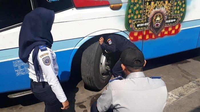 Banyak Armada Bus yang Tidak Lolos Ramp Check di Terminal Pulogebang
