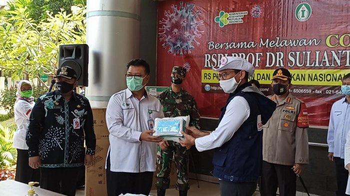 RSPI Sulianti Saroso Terima Bantuan 4.600 APD dari Relawan Indonesia Bersatu Lawan Covid-19