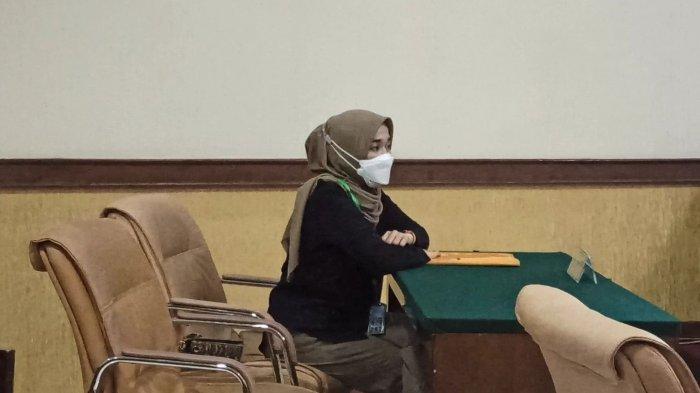 Ririe Fairus saat menghadiri sidang perceraian di Ruang Sidang Assyuriah, Pengadilan Agama Jakarta Utara, Rabu (17/3/2021). (TRIBUNJAKARTA.COM/GERALD LEONARDO AGUSTINO)