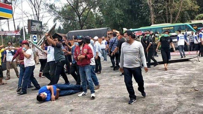 KLB Partai Demokrat di Medan Ricuh, Massa Berbaju Moeldoko Menyerang, Massa AHY Kocar-Kacir
