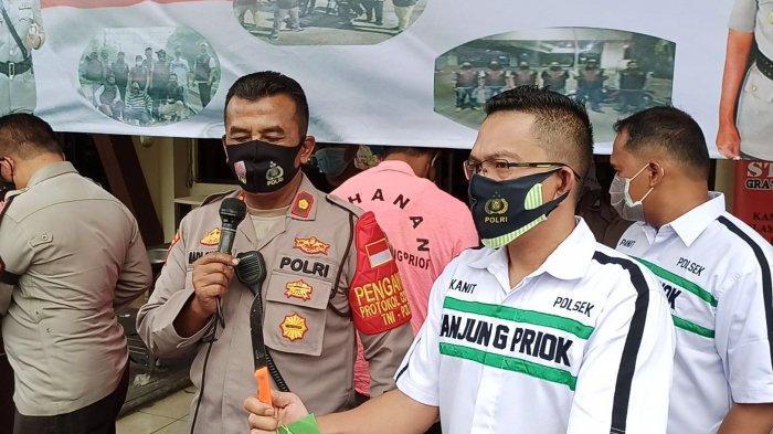 Konferensi pers penangkapan komplotan penodong Terminal Bus Tanjung Priok, Jumat (23/10/2020), di Mapolsek Tanjung Priok, Jakarta Utara.
