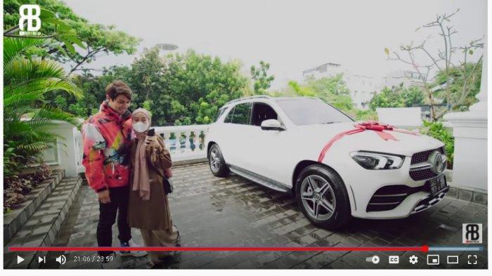 Hadiahi Lesti Kejora Mobil Rp 1 Miliar Lebih, Rizky Billar Bikin Bangga Calon Mertua: Makasih Ya!