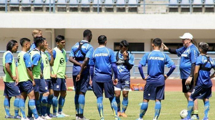 Madura United Vs Persib: Antisipasi Kejutan Tuan Rumah, Robert Alberts Optimis Bawa 3 Poin
