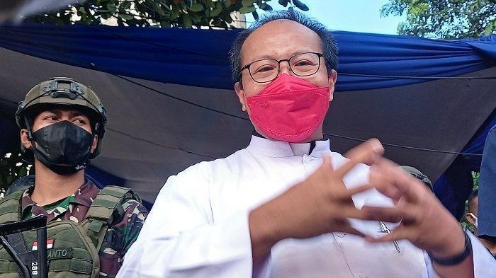 Umat Kristiani Disediakan Tempat Parkir di Masjid Istiqlal, Romo Hani Rudi: Hidup Berdampingan