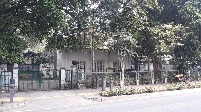 Tampak depan rumah bergaya kolonial milik Menteri Luar Negeri Pertama Achmad Soebardjo pada Sabtu (17/4/2021).