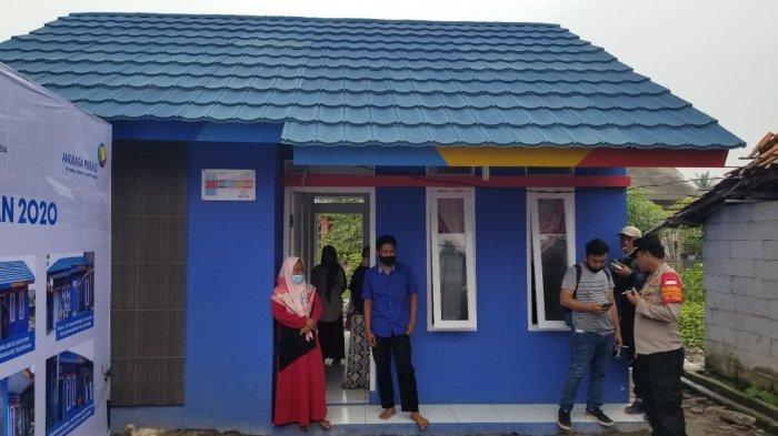 Satu dari 10 rumah yang dibedah dan direnovasi oleh PT Angkasa Pura II di Kampung Rawalini, Kecamatan Teluknaga, Kabupaten Tangerang, Rabu (31/3/2021).