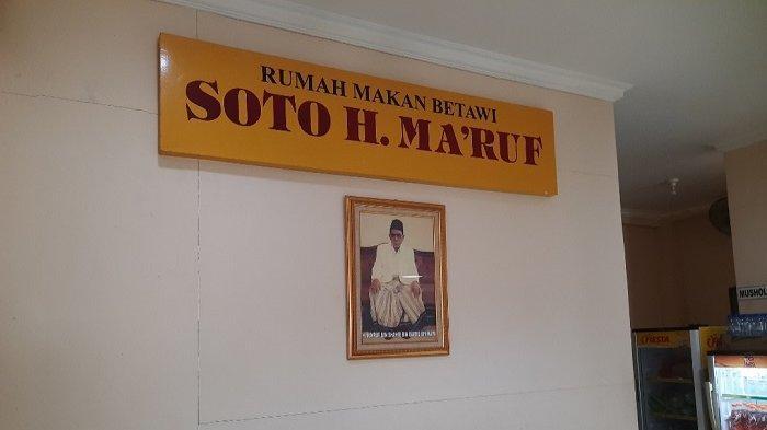 Rumah makan legendaris Soto Betawi Haji Ma'ruf sudah eksis sejak tahun 1940an, bahkan pelanggannya kini sudah lintas generasi.
