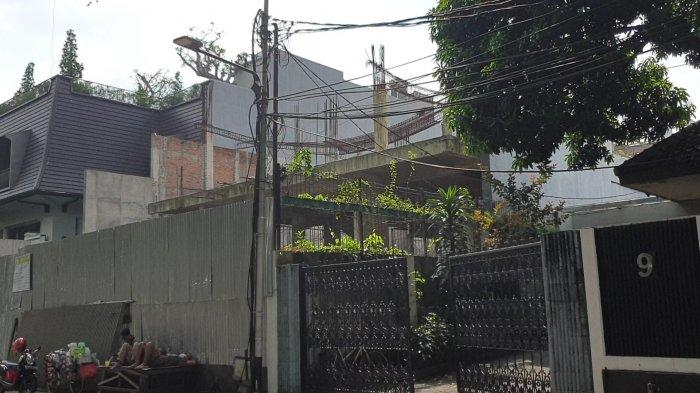 Rumah mewah di Jalan Menteng, Jakarta Pusat yang disegel Pemprov DKI lantaran melanggar IMB, Minggu (13/6/2021).