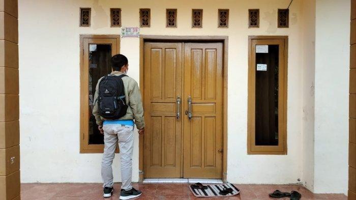 Rumah Nani Apriliani dalam keadaan kosong, Rabu (5/5/2021). Sang ayah, Maman tak ada di tempat