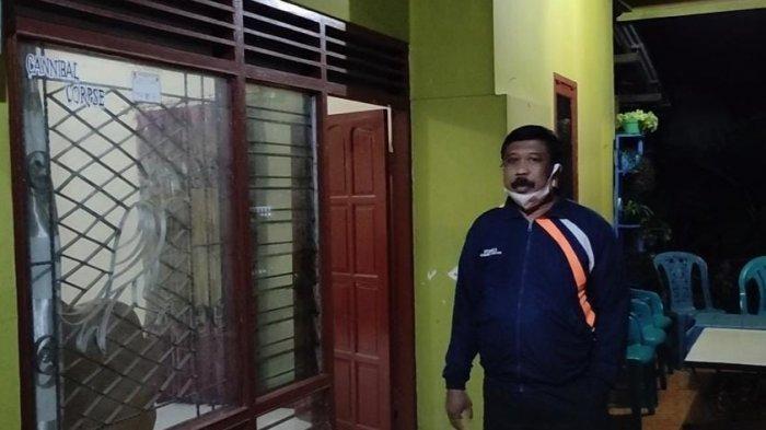 Rumah orang tua N, terduga teroris yang ditangkap Densus 88 di Kabupaten Tulungagung di Dusun Kuwut, Desa Kemloko, Kabupaten Nglegok, Kabupaten Blitar. --