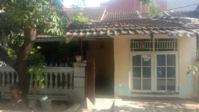Pria Sebatang Kara di Bekasi Ditemukan Tewas Membusuk di Rumahnya:Tercium Aroma Tak Sedap dari Kamar