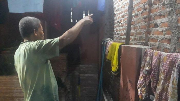 Terhalang Rumah Besar, Sutrisno Hanya Punya Akses Jalan Satu Meter