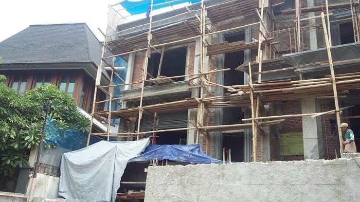 Disegel Karena Langgar IMB, Proyek Pembangunan Rumah di Pondok Indah Nekat Dilanjutkan