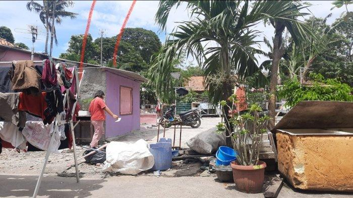 Suasana rumah Herman Gondrong di Gang Veteran, RT001 RW003, Kelurahan Bahagia, Kecamatan Babelan, Kabupaten Bekasi, Rabu (24/3/2021).