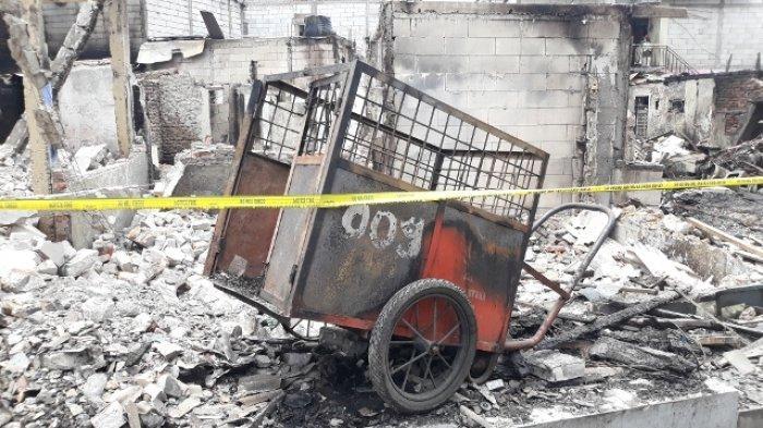 Puluhan Rumah di Kampung Pesing Jakarta Terbakar, Korban di Pengungsian Butuh Pakaian Dalam