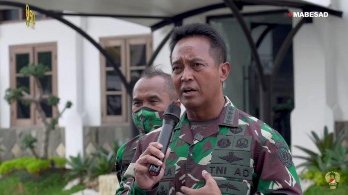 KSAD Jenderal Andika Perkasa saat memberikan pesan kepada para dokter muda TNI AD.