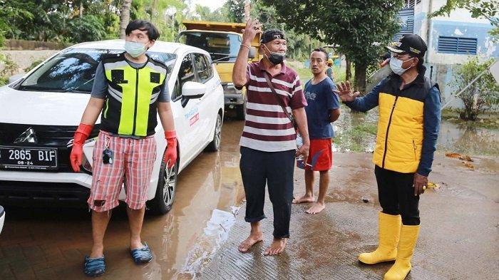 Banjir Surut, Pemkot Tangerang Kirimkan Petugas Kebersihan ke Permukiman Warga
