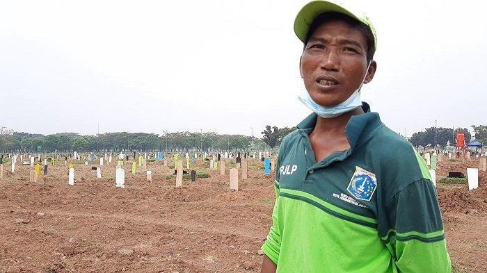 Tak Lagi Kerja Sampai Tengah Malam, Penggali Kubur TPU Tegal Alur: Sehari Hanya 4 Atau 5 Jenazah