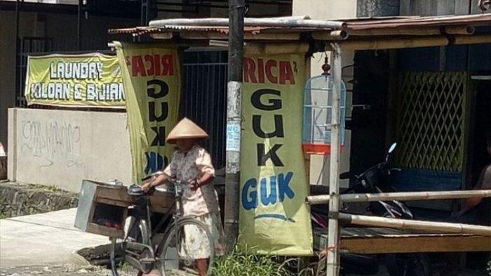 Salah satu warung yang menyediakan kuliner berbahan dasar daging anjing di kota Solo, Jawa Tengah.