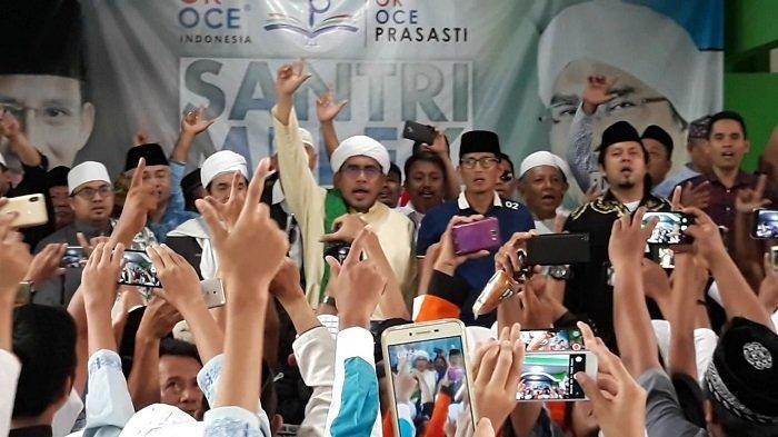 Sandiaga Uno Disambut Antusias Santri Pesantren Al-Husainy saat Kunjungi Serpong