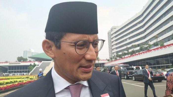 Sandiaga Uno Unggah Video Jalan Kaki Pakai Jas Belah Kemacetan Ibu Kota Hadiri Sidang Tahunan MPR