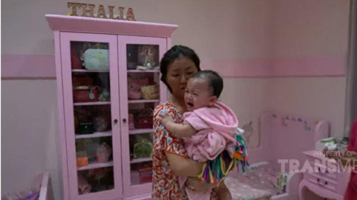 Thania Nangis Histeris karena Terjatuh dari Box Bayi, Sikap Sarwendah ke ARTnya Jadi Perbincangan