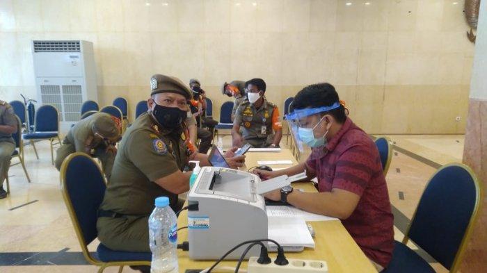 100 Personel Satpol PP Jakarta Timur Sudah Disuntik Vaksin Covid-19