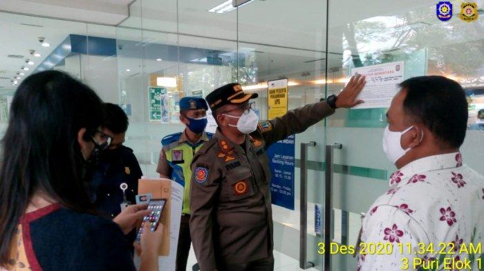 Langgar Prokes Covid-19, Bank Swasta di Kembangan Jakarta Barat Disegel Satpol PP