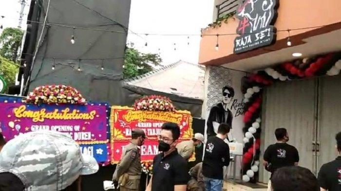 Satpol PP Bubarkan Kerumunan di Raja Se'i saat Pembukaan Restoran Milik Rizky Billar