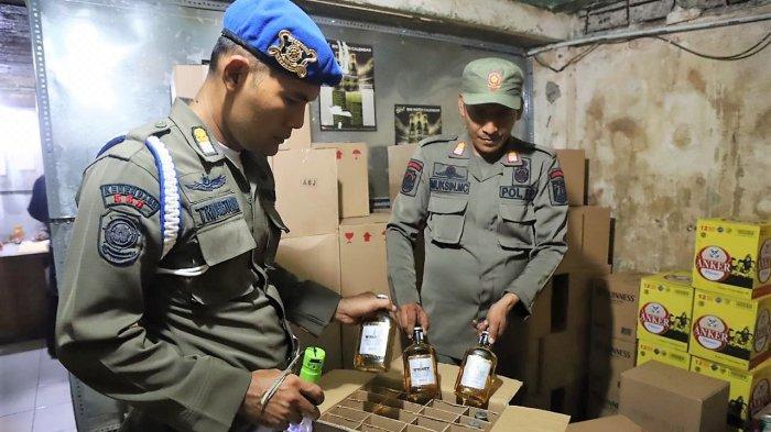 2.160 Botol Miras Disita Petugas Gabungan Saat Operasi Pekat di Teluk Gong