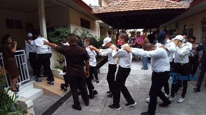 Berdalih Kerjakan Tugas Sekolah, Belasan Remaja Malah Jadi Begal dan Hasil Kejahatan Buat Beli Miras