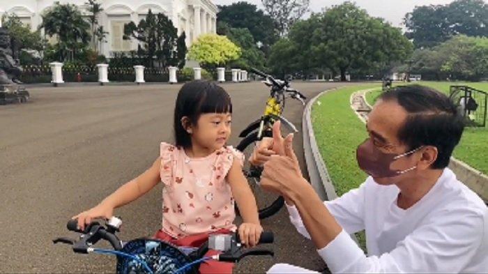 Gemasnya Sedah Mirah Usia 3 Tahun Pintar Bernyanyi, Jokowi: Mendengarnya, Hilang Pula Penat & Sedih
