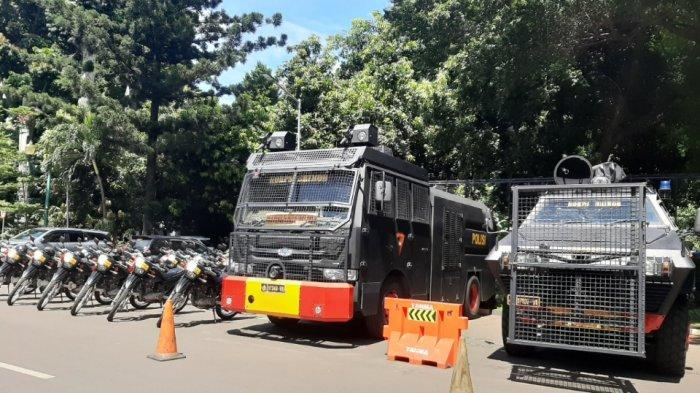 Rizieq Shihab Akan Diperiksa Hari Ini, Polda Metro Jaya Siagakan Kendaraan Taktis