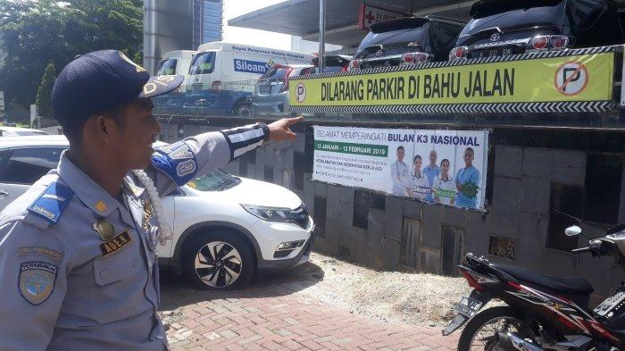 Dishub Kota Bekasi Bakal Tempel Stiker Nyeleneh di Kendaraan yang Parkir Sembarangan