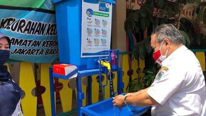 PT PAM Lyonnaise Jaya Sediakan Wastafel Portable di 29 Lokasi Fasilitas Umum