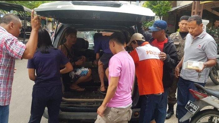 Ribut dan Kantongi Obat yang Diduga Terlarang, 4 Pemuda Diamankan Satpol PP Tambora