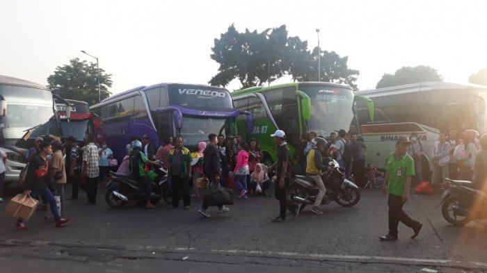 120 Bus Tambahan Disiapkan di Terminal Kalideres Angkut Pemudik Lebaran 2019