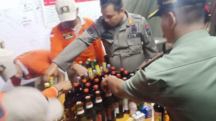 Gelar Operasi Praja Peduli, 105 Botol Miras dan 14 Obat Kuat Diamankan Satpol PP di Gambir