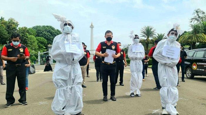 Ada Pocong Bermasker di Dekat Istana Negara, Ingin Sampaikan Pesan untuk Presiden